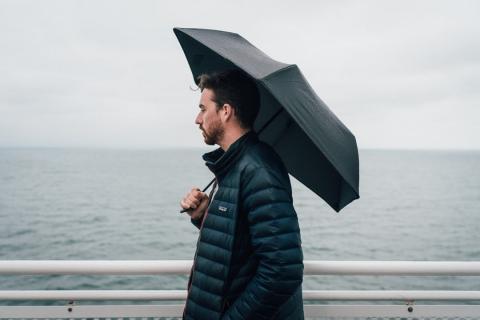 A este paraguas no lo rompe ni un huracán