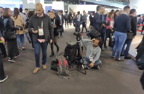 Periodista tirado en el MWC