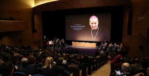 Acto de homenaje de la Universidad de Navarra a Javier Echevarría, quien fue  obispo, prelado del Opus Dei.