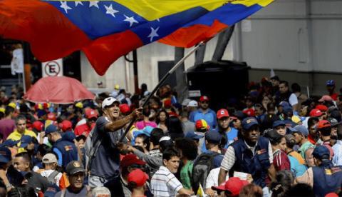 Gente en el Venezuela Aid Live.