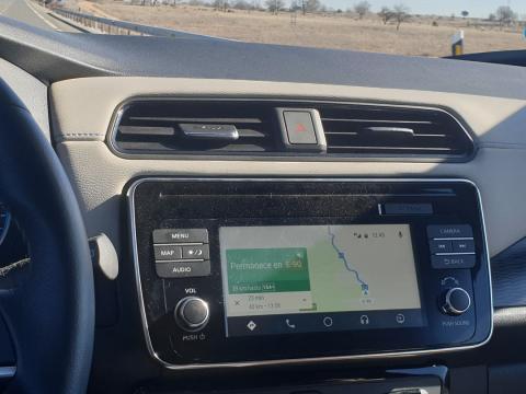 Los kilómetros pasan lentamente a 90 km/h, pero la autonomía nunca para de caer
