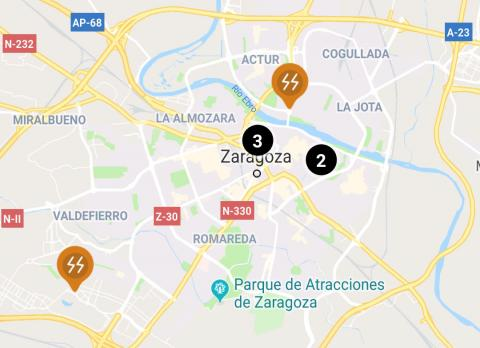 Los dos puntos de carga rápida (en naranja) que IBIL ofrece en Zaragoza