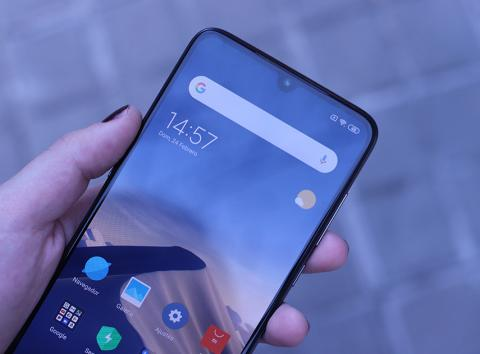 Xiaomi Mi 9 notch