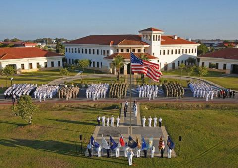 Acto de militares de EEUU en la base de Rota.