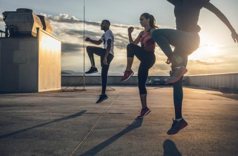 Haciendo ejercicio en grupo