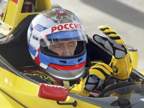 Putin, probando un Fórmula 1 de Renault.