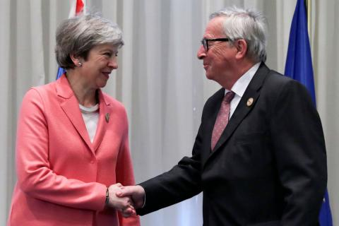 Theresa May y Jean-Claude Juncker, en febrero de 2019