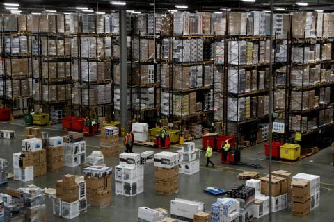 Un almacén en Reino Unido.