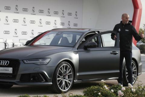 Zidane, con el Audi RS 6.
