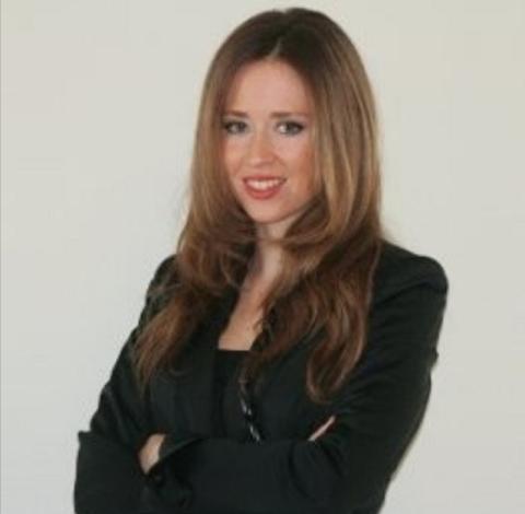 Alina Franco- Vudoir