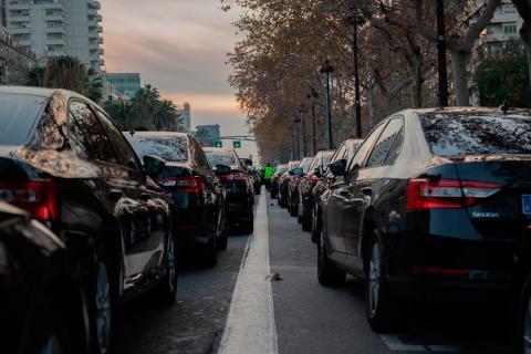Varios coches de Cabify en Barcelona