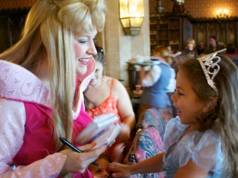 Princesa conoce a princesa.