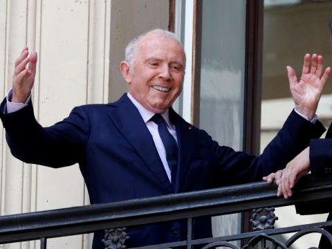 La familia de Francois Pinault posee una participación del 41% en la propietaria de Gucci e Yves St Laurent.