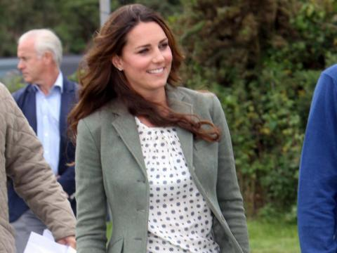 Kate Middleton, the Duchess of Cambridge, is one of the most prominent fans of Zara's designs and is often photographed in its clothing.