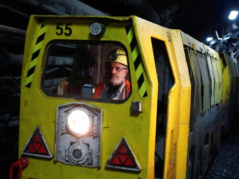 (Tie) Mine Shuttle Car Operators have an overall communication score of 48.4