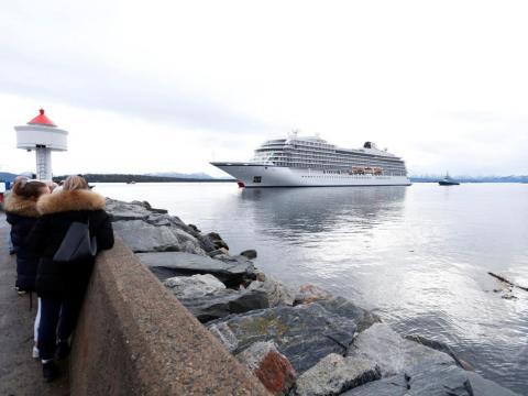 El crucero Viking Sky dejó a casi 1.400 pasajeros y tripulación varados.