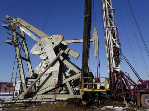 Oil and gas derrick operators