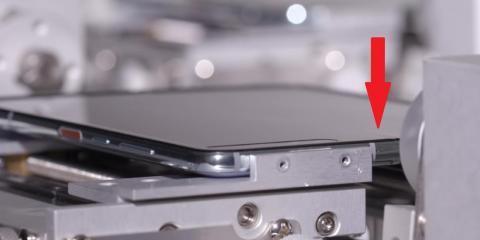 """Samsung dice que el Galaxy Fold es """"duradero"""" para hasta 200.000 pliegues, pero parece que las arrugas van a ser inevitables."""