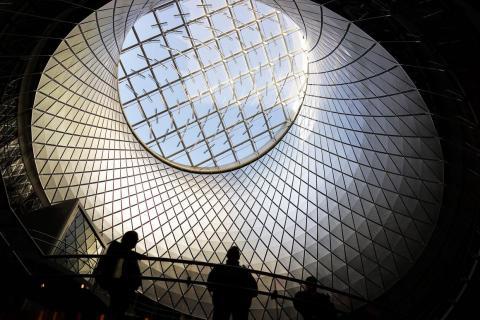 Desde entonces, los humanos hemos construido edificios rompedores como el Fulton Center en Nueva York...