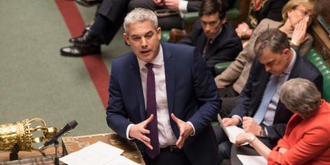 Steve Barclay, secretario para el Brexit de Reino Unido, habla antes de la votación sobre el acuerdo propuesto por la Primera Ministra el 12 de marzo de 2019.