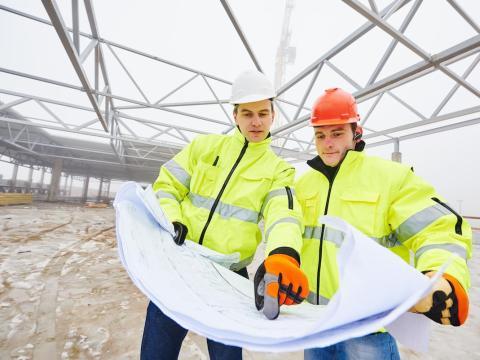 10. Los ingenieros civiles realizan tareas de ingeniería en la planificación, diseño y supervisión de la construcción y el mantenimiento de las estructuras e instalaciones de los edificios.