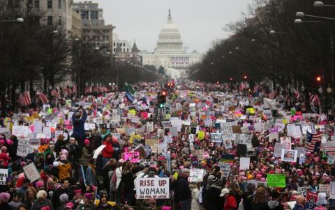 El 21 de enero de 2017 miles de manifestantes salieron a las calles de Washington con el Capitolio de fondo