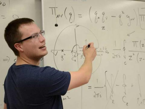 (Tie) Economics and mathematics majors have a mid-career salary of $126,900 a year