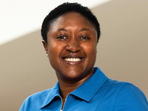 Aicha Evans, la directora ejecutiva de Zoox, está desarrollando un modelo de negocio audaz sobre coches autónomos