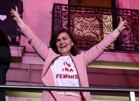 Carmen Calvo celebra victoria del PSOE