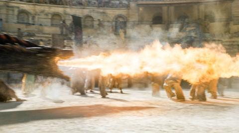 Dragones en la plaza de Toros de Osuna.