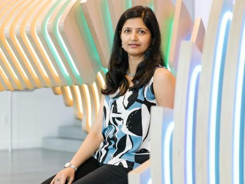 Aparna Sinha de Google está liderando el proyecto de software que está sacudiendo silenciosamente Silicon Valley