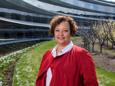 Lisa Jackson, the vice president of environment, policy, and social initiatives at Apple, is showing the world that corporate success and environmental responsibility are a winning formula