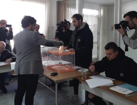 Mesa electoral velatorio