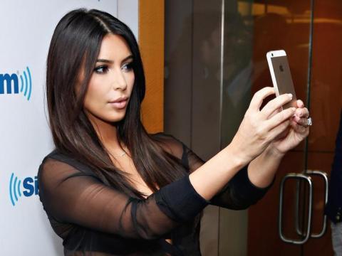 Los millennials ricos están usando las redes sociales para ejercer influencia sobre las tendencias de la moda - y están quitando parte de ese poder a las revistas.
