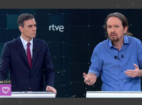 Pedro Sánchez (PSOE) y Pablo Iglesias (Unidas Podemos) durante el debate de RTVE de las Elecciones Generales 2019.
