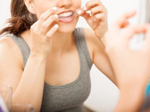 Los productos para el blanqueamiento dañan la dentina