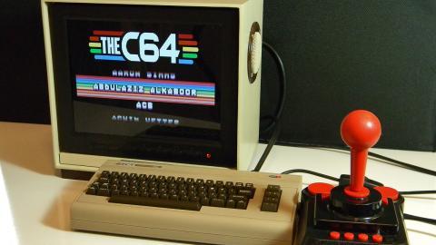 Réplica monitor Commodore con una Raspberry Pi