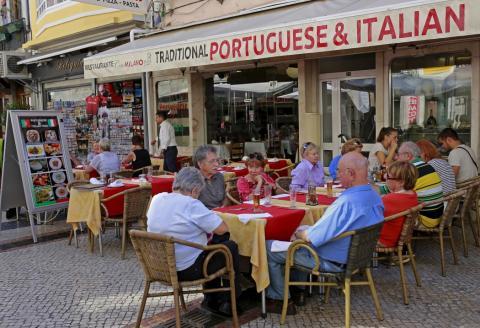 Un restaurante en Lisboa, Portugal.