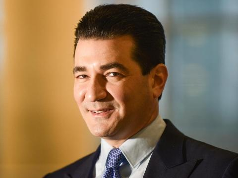 Scott Gottlieb has won rare bipartisan praise running the FDA