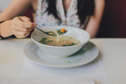 Sopa, comer