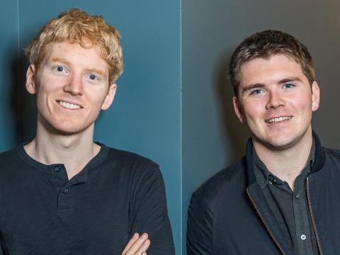 Patrick Collison, CEO de Stripe y John Collison, presidente de Stripe, están abriendo el mundo para los negocios online