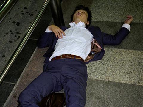 Los accidentes cerebrovasculares y la insuficiencia cardíaca se hicieron más comunes para los empleados japoneses.