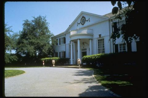 Under the final agreement, Ivana was awarded $25 million plus the couple's Greenwich mansion, or an additional $22 million if the mansion was sold before the divorce was finalized.