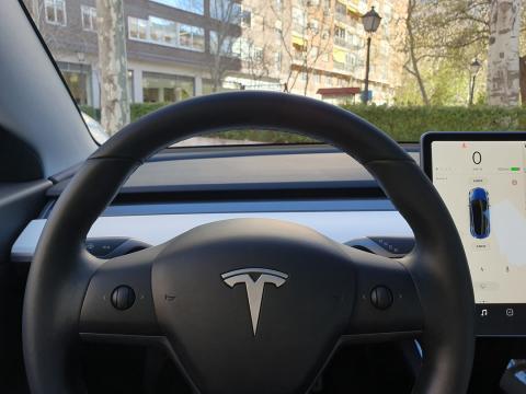 Volante del Model 3
