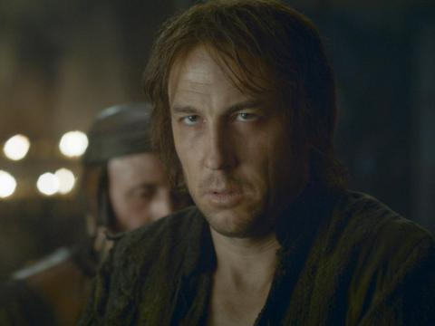 Did Arya leave her uncle in the dungeons? Is he dead?
