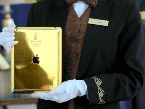 10. Guests receive a 14-karat gold iPad to use during their stay.