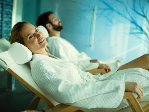 19. Si va a derrochar dinero en un hotel lujoso, comprueba que tenga un spa. Muchos incluyen acceso gratuito para los huéspedes.
