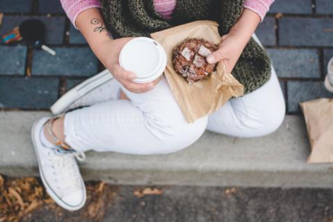 bollo, café, desayuno, comida en la calle