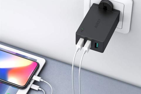 Cargador USB de pared 3W con3 puertos Aukey