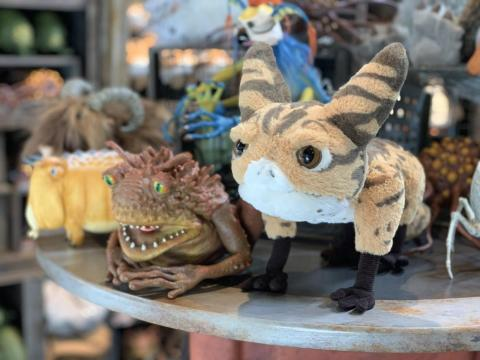 El puesto de criaturas tiene nuevos bichos peludos y babosos que puedes llevarte a casa.